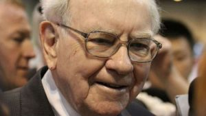 Warren Buffett Is Buying This Blue-Chip Canadian Stock
