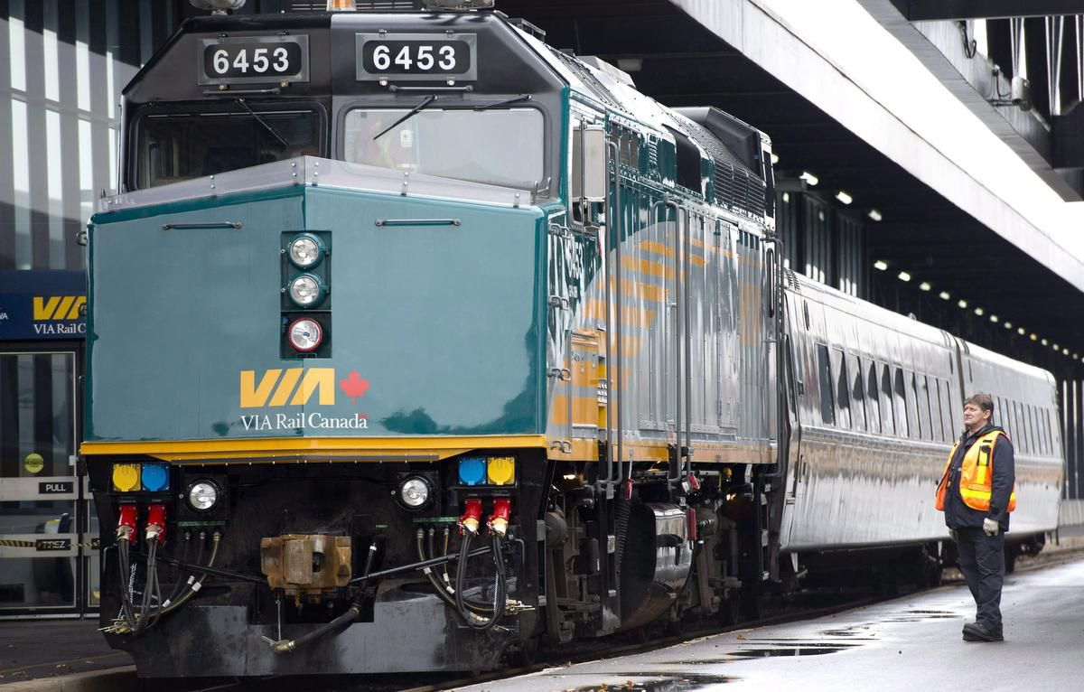 Feds push Infrastructure Bank to back massive Via Rail project