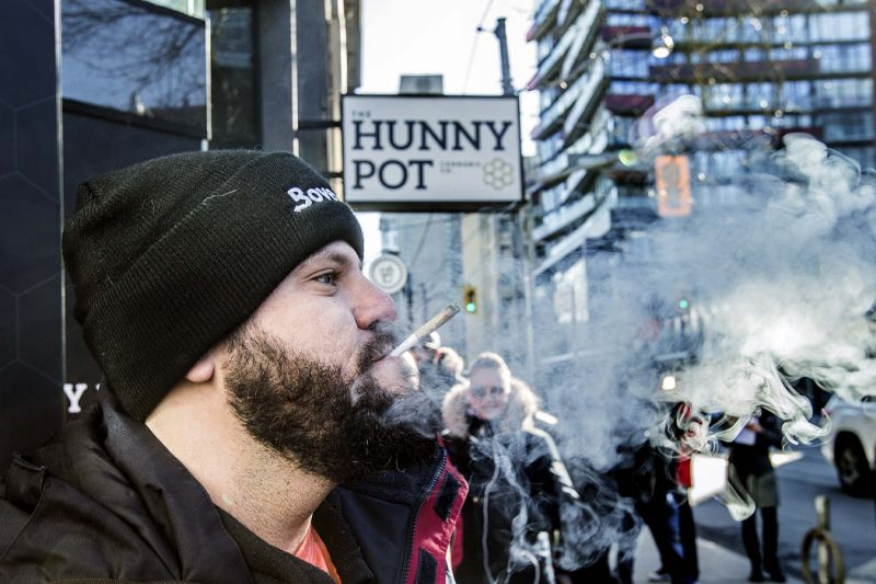 Canada's legal pot market mirrors U.S. states in the worst ways: analyst Jeff Lagerquist