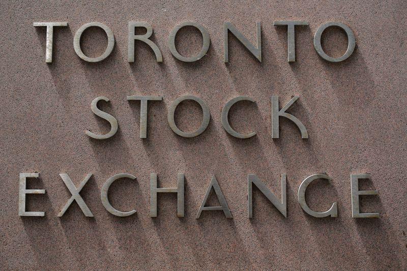 TSX rises 0.68% to 15,359.66