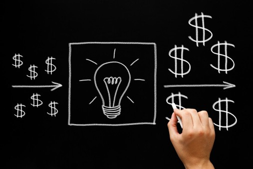 """Why """"Bootstrapping vs Raising Capital"""" is the Wrong Question for Startup Founders?"""