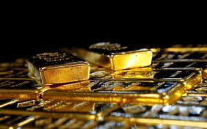 Gold's mega rally faces $2,000 hurdle, but for how long?