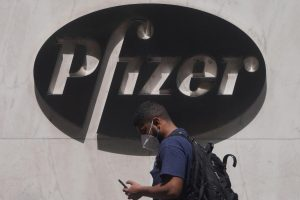 Canada signs deals with Pfizer, Moderna for experimental COVID-19 vaccines