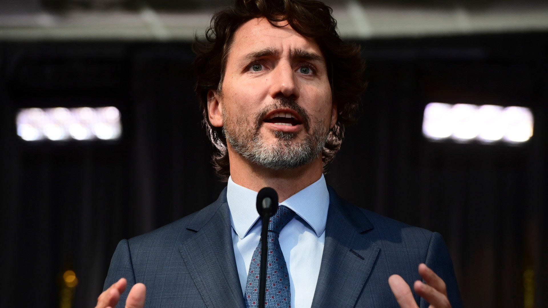 Trudeau ends cabinet retreat with promise to safely kickstart economy, plug gaps in social safety net