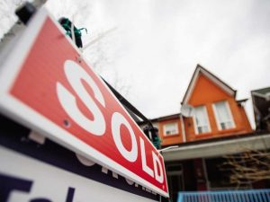 The only thing Canadians are optimistic about right now is the housing market